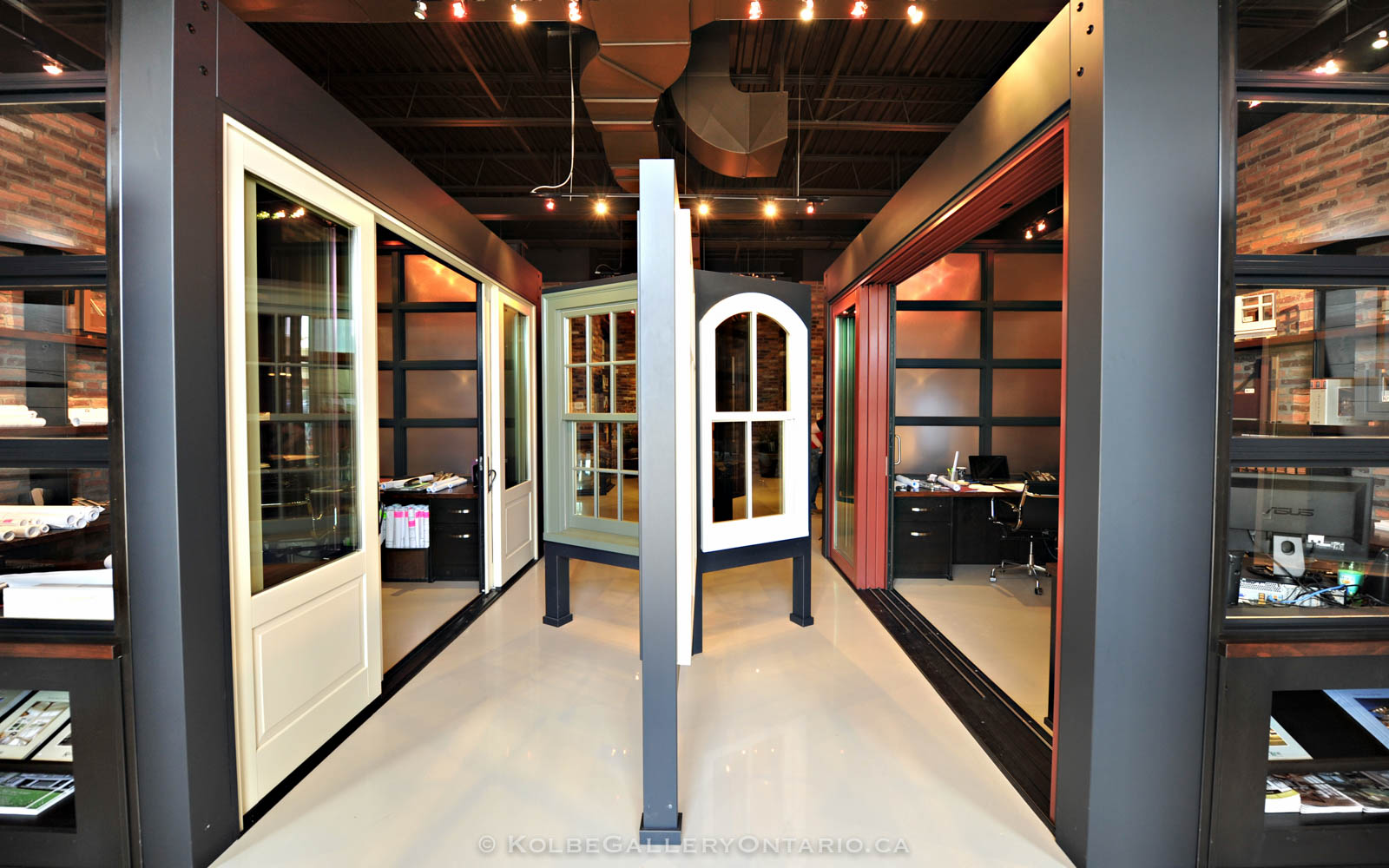 KolbeGalleryOntario.ca-windows-and-doors-Oakville-showroom-20120510-095743