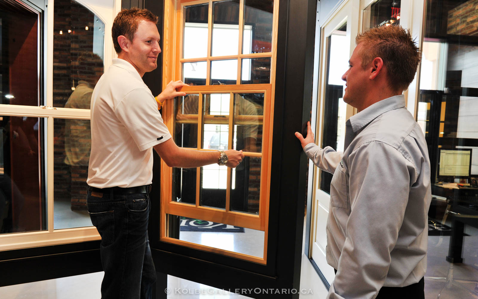 KolbeGalleryOntario.ca-windows-and-doors-Oakville-showroom-20120510-101422