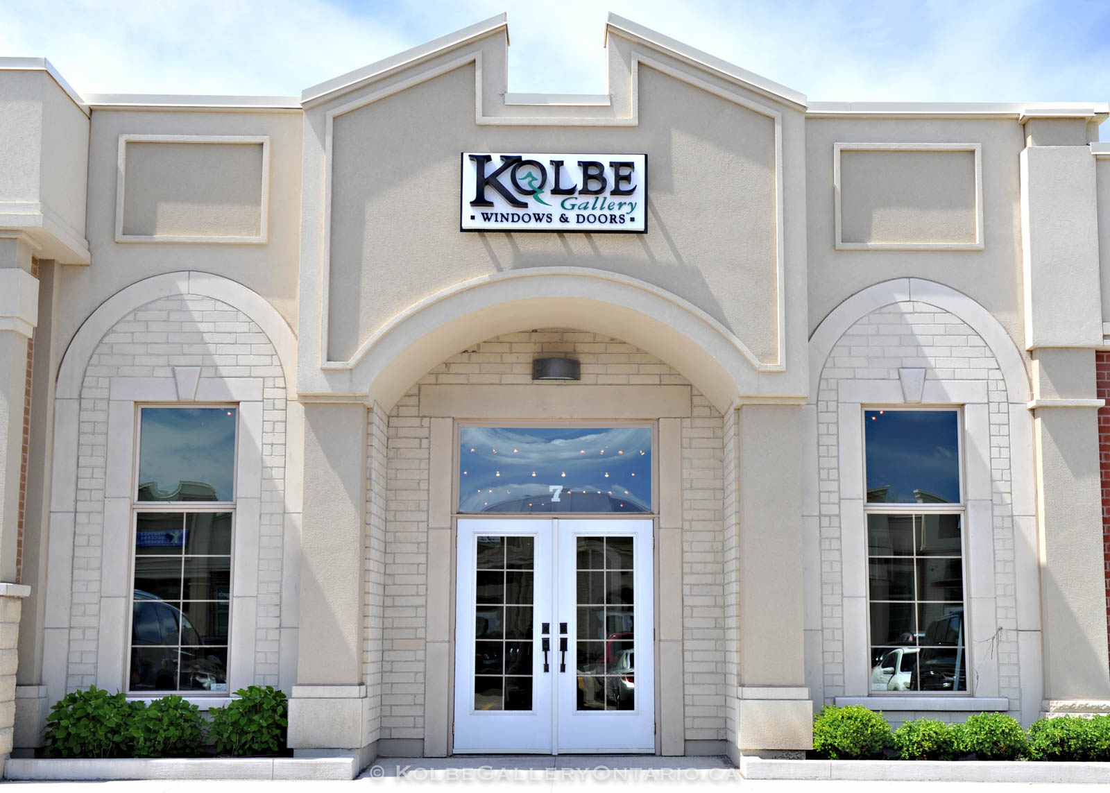 KolbeGalleryOntario.ca-windows-and-doors-Oakville-showroom-20120510-100347